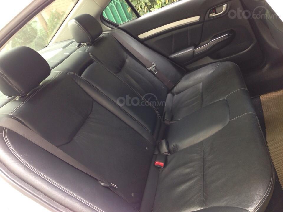 Bán Honda Civic 2.0 tự động 2012, màu trắng cực kỳ trẻ trung (10)