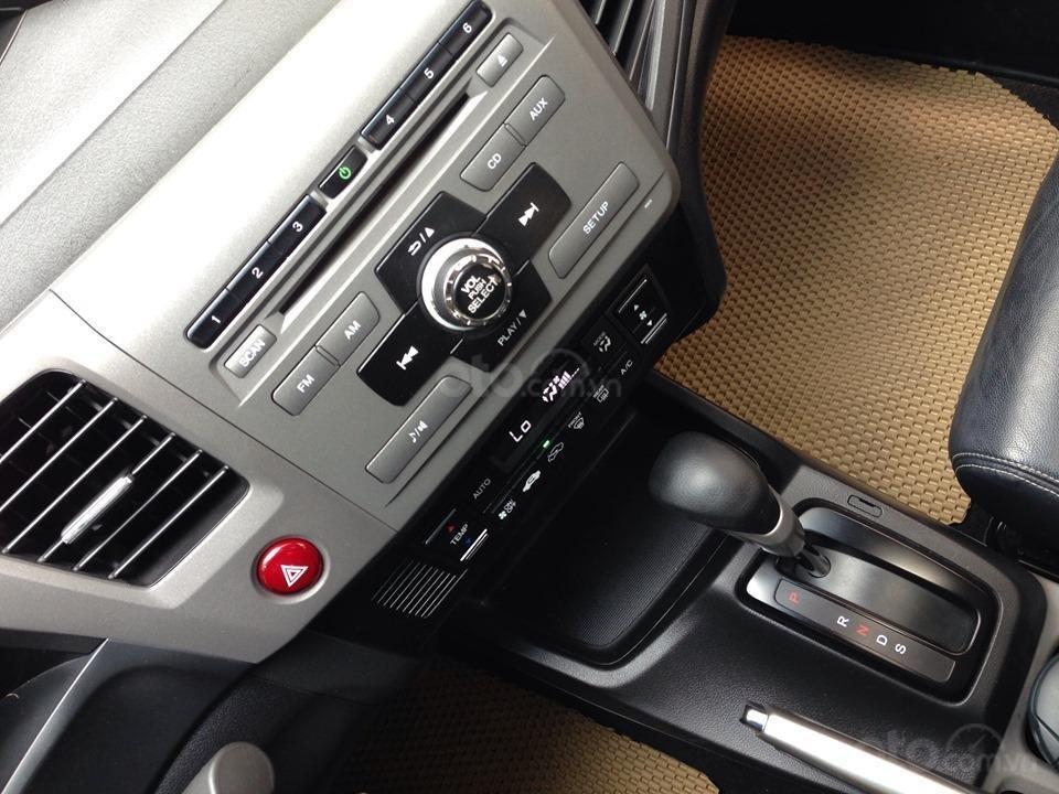 Bán Honda Civic 2.0 tự động 2012, màu trắng cực kỳ trẻ trung (5)