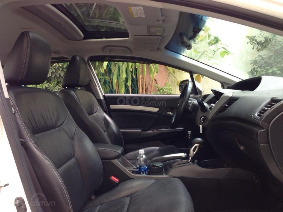 Bán Honda Civic 2.0 tự động 2012, màu trắng cực kỳ trẻ trung (8)