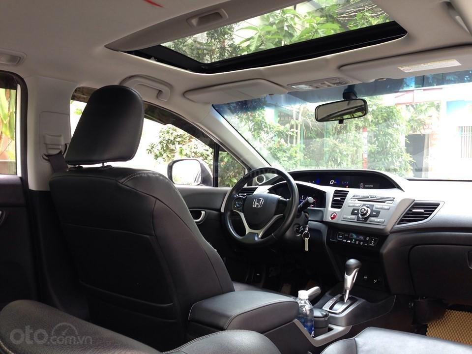 Bán Honda Civic 2.0 tự động 2012, màu trắng cực kỳ trẻ trung (6)