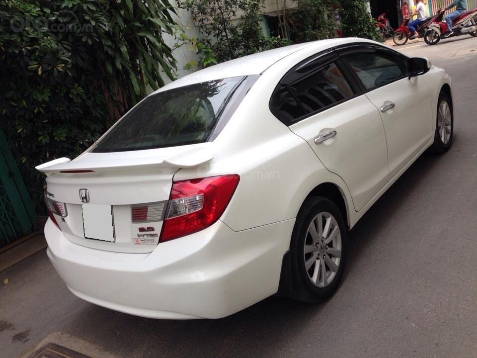 Bán Honda Civic 2.0 tự động 2012, màu trắng cực kỳ trẻ trung (7)