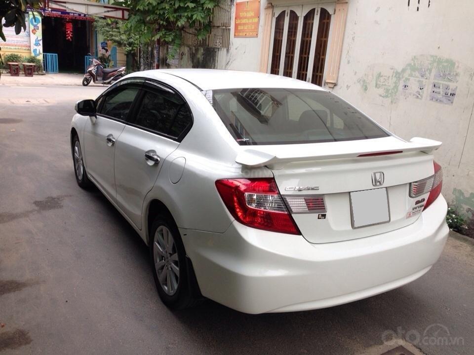 Bán Honda Civic 2.0 tự động 2012, màu trắng cực kỳ trẻ trung (9)