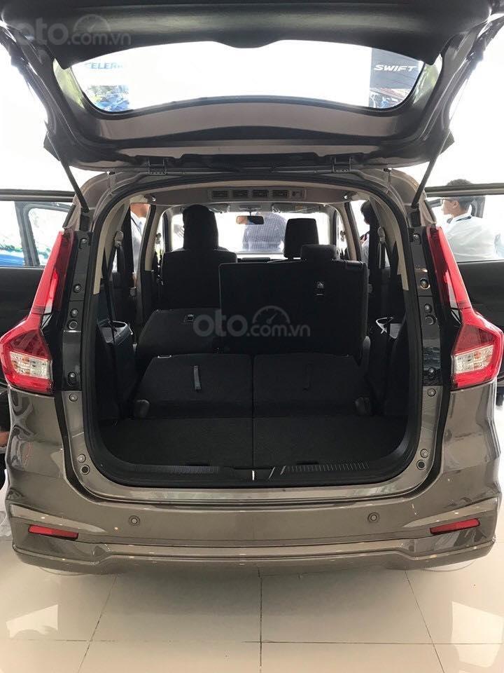 Suzuki Ertiga xe có sẵn giao ngay (3)