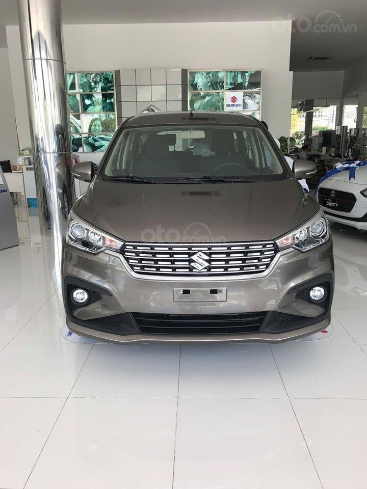 Suzuki Ertiga xe có sẵn giao ngay (5)