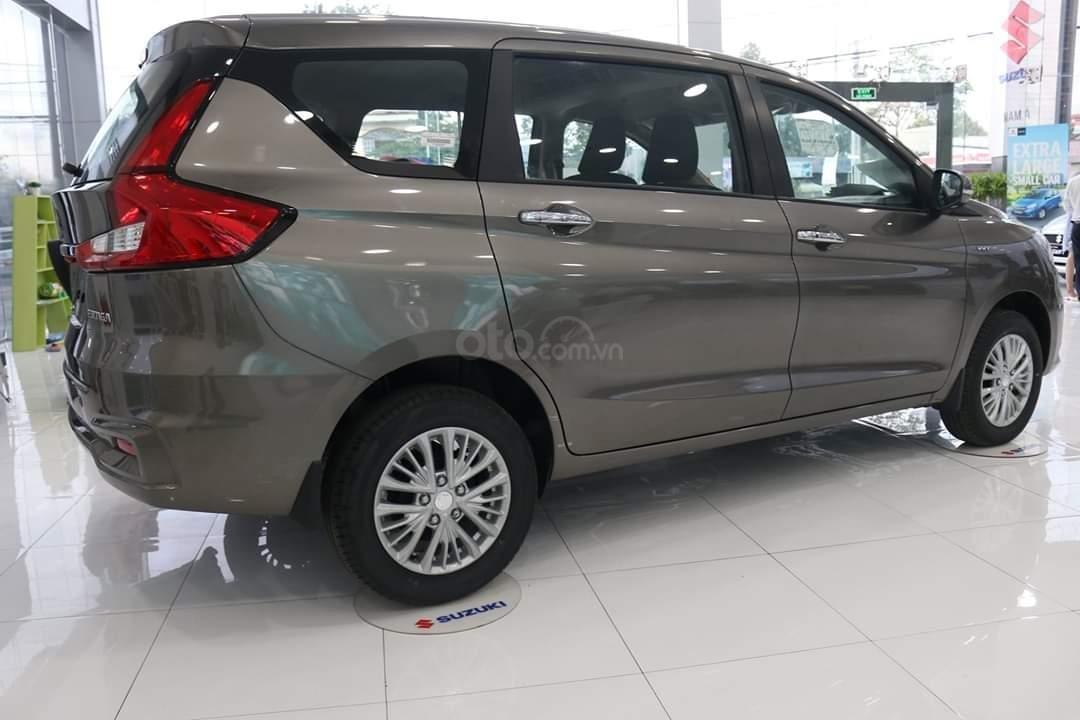 Suzuki Ertiga xe có sẵn giao ngay (2)