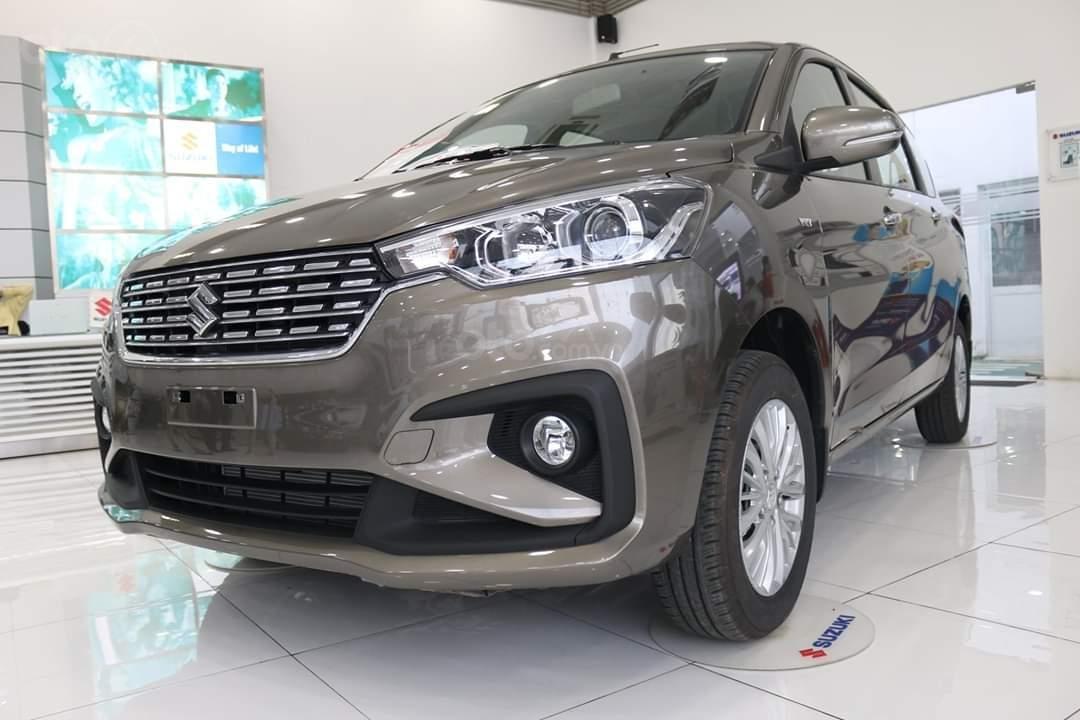 Suzuki Ertiga xe có sẵn giao ngay (4)