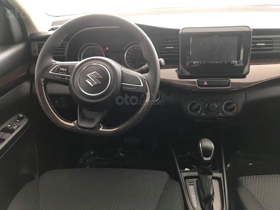 Suzuki Ertiga xe có sẵn giao ngay (6)