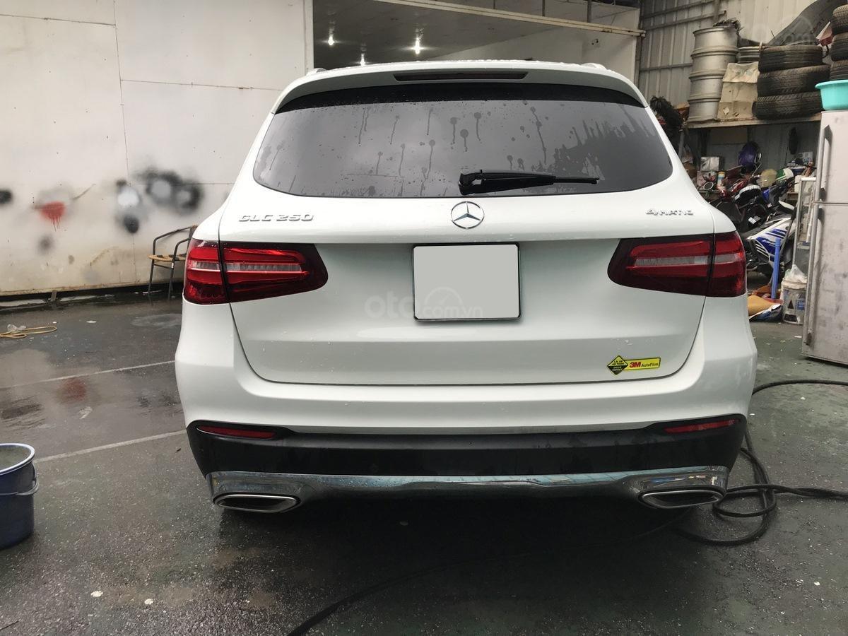 Cần bán Mercedes 250 4Matic đời 2017, màu trắng, nội thất nâu giá tốt (3)