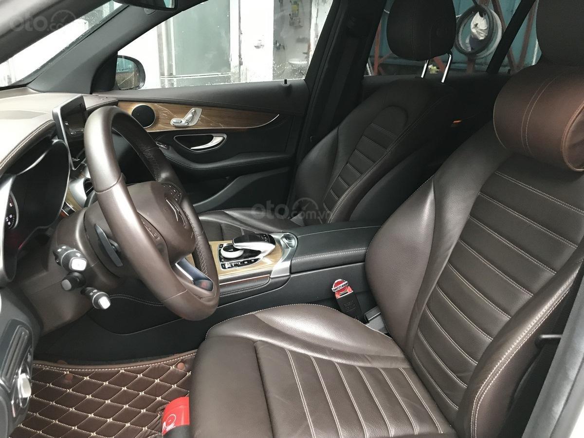 Cần bán Mercedes 250 4Matic đời 2017, màu trắng, nội thất nâu giá tốt (7)