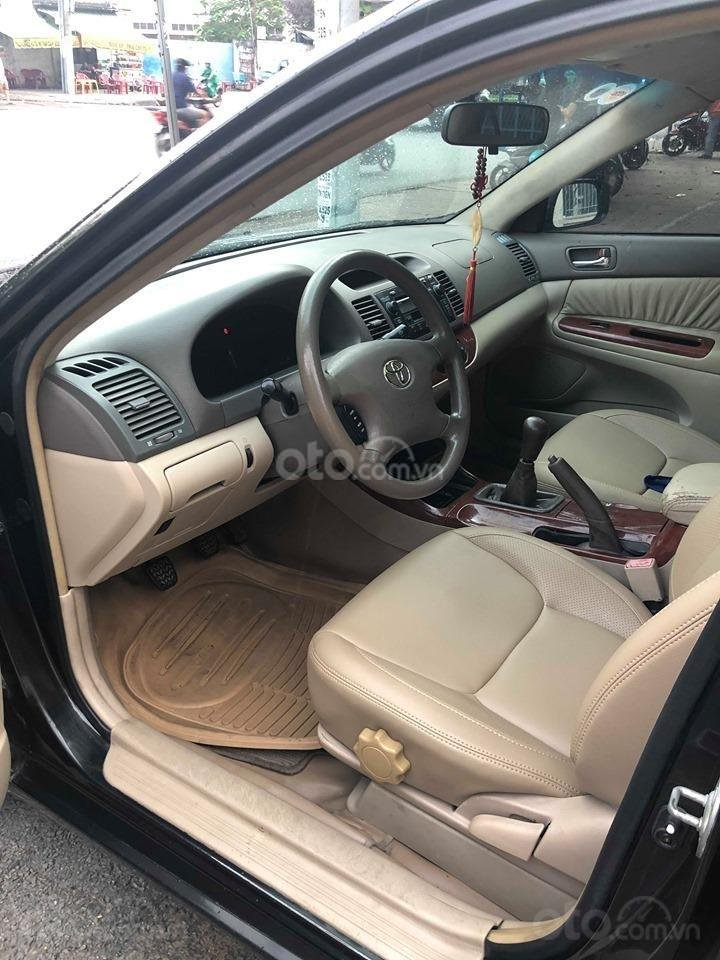 Bán xe Toyota Camry 2.4G sản xuất 2003, màu đen chính chủ giá rẻ (13)