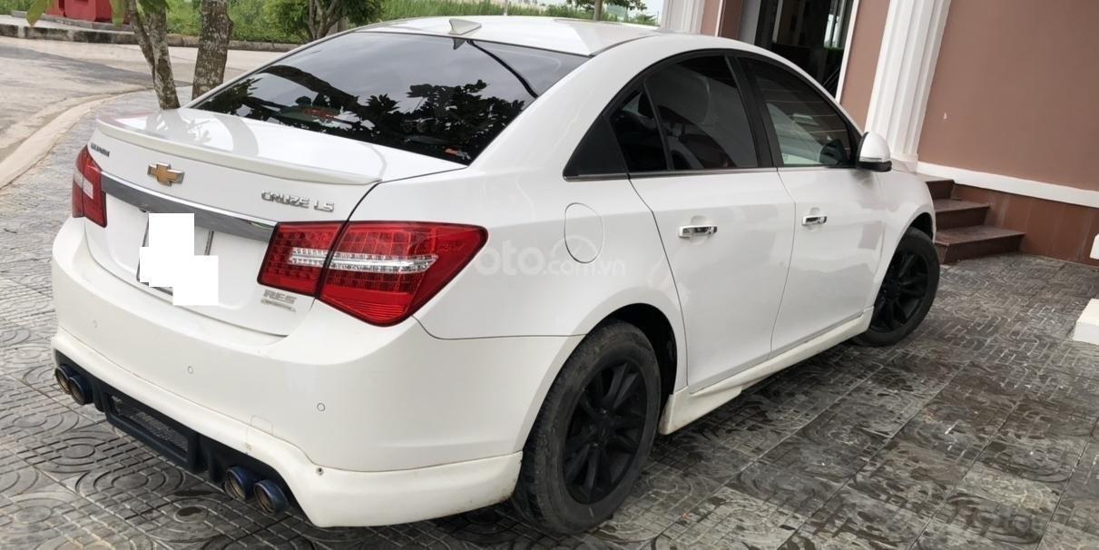 Bán ô tô Chevrolet Cruze đời 2015, màu trắng, số sàn 1.6LS (2)
