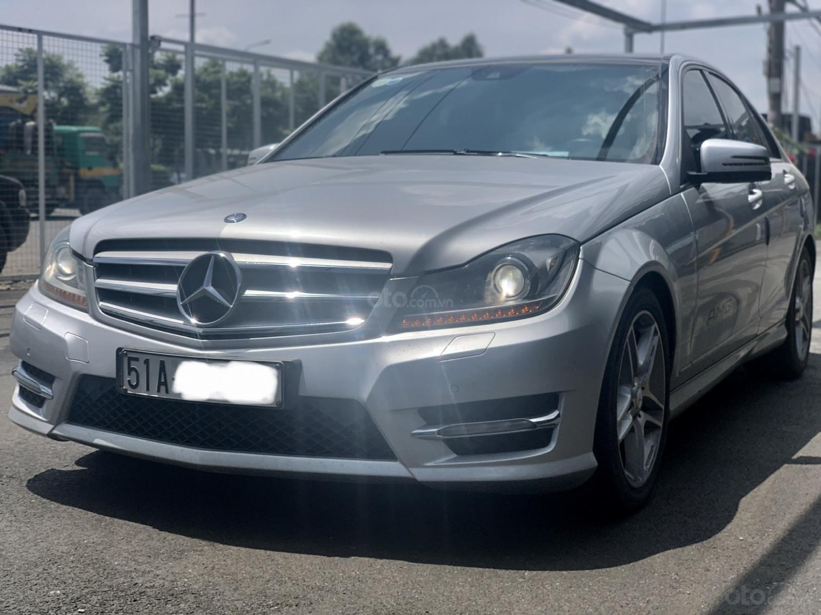 Hãng bán Mercedes C300 AMG 2011, màu bạc, đúng chất, biển TP, giá TL, hỗ trợ góp (3)
