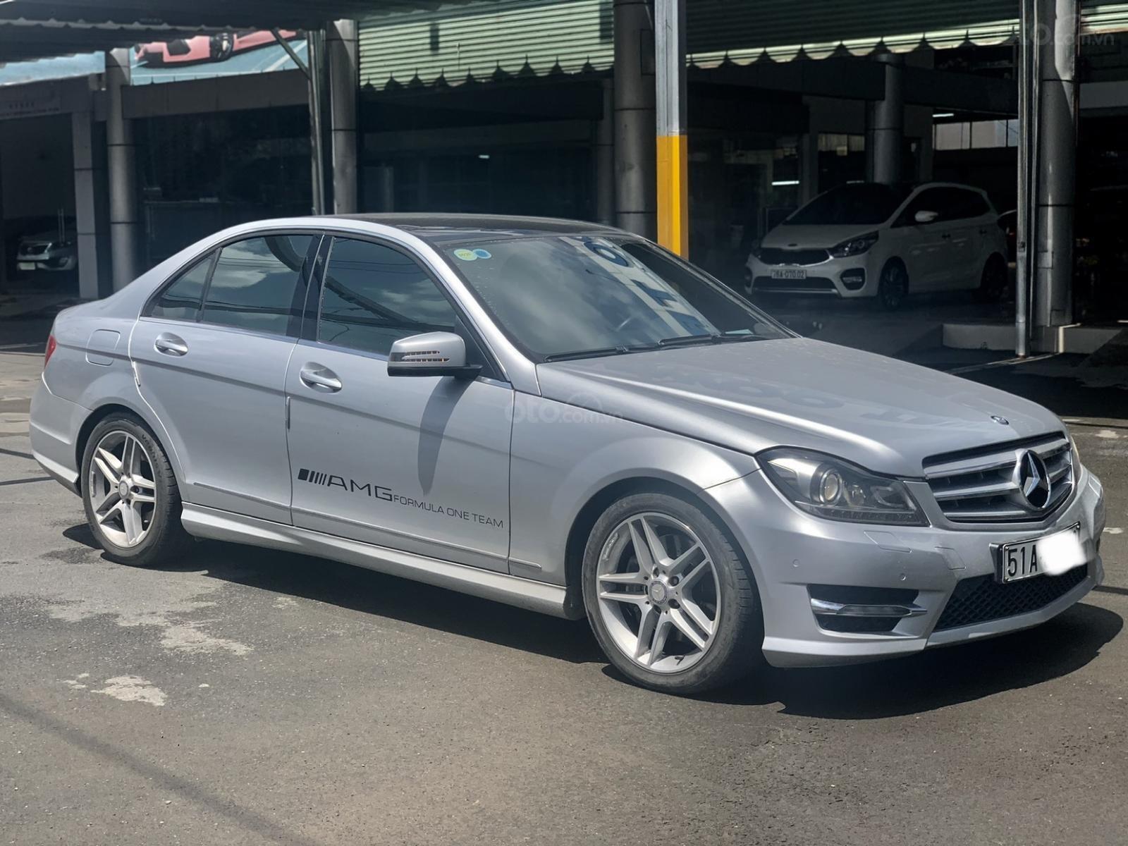 Hãng bán Mercedes C300 AMG 2011, màu bạc, đúng chất, biển TP, giá TL, hỗ trợ góp (4)