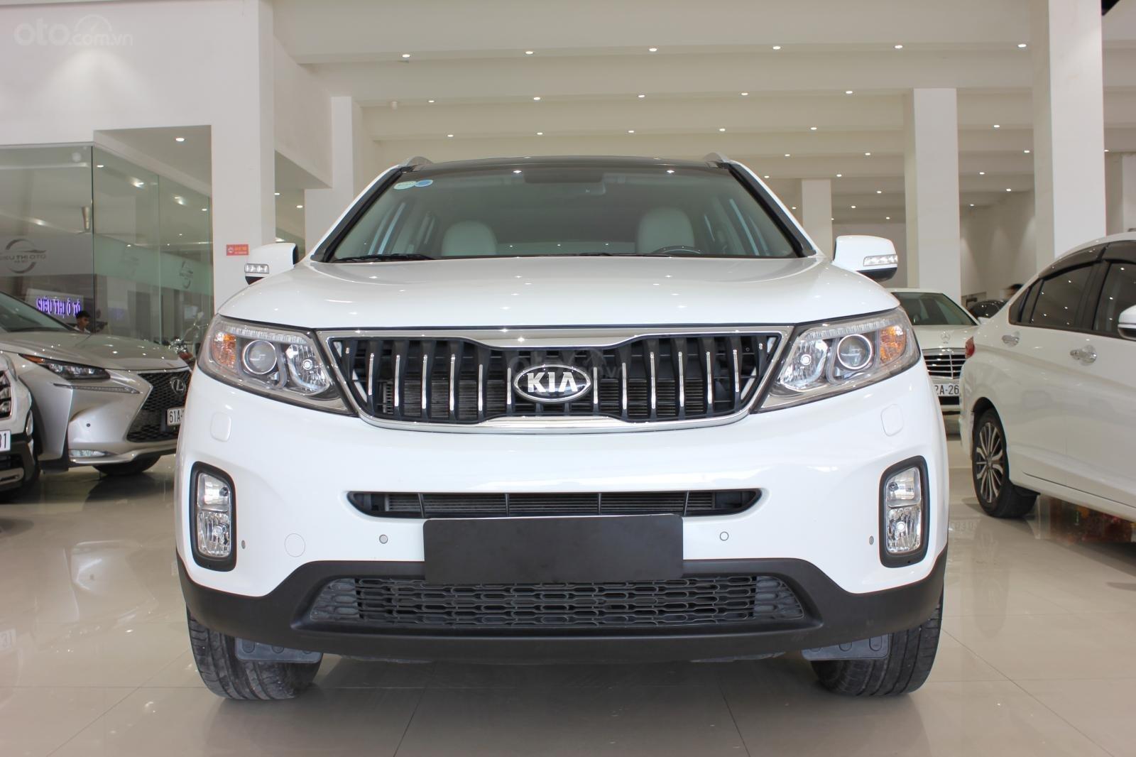 Bán xe Kia Sorento GATH 2.4AT SX 2019, màu trắng, xe đẹp, biển SG 9 nút, giá TL (1)
