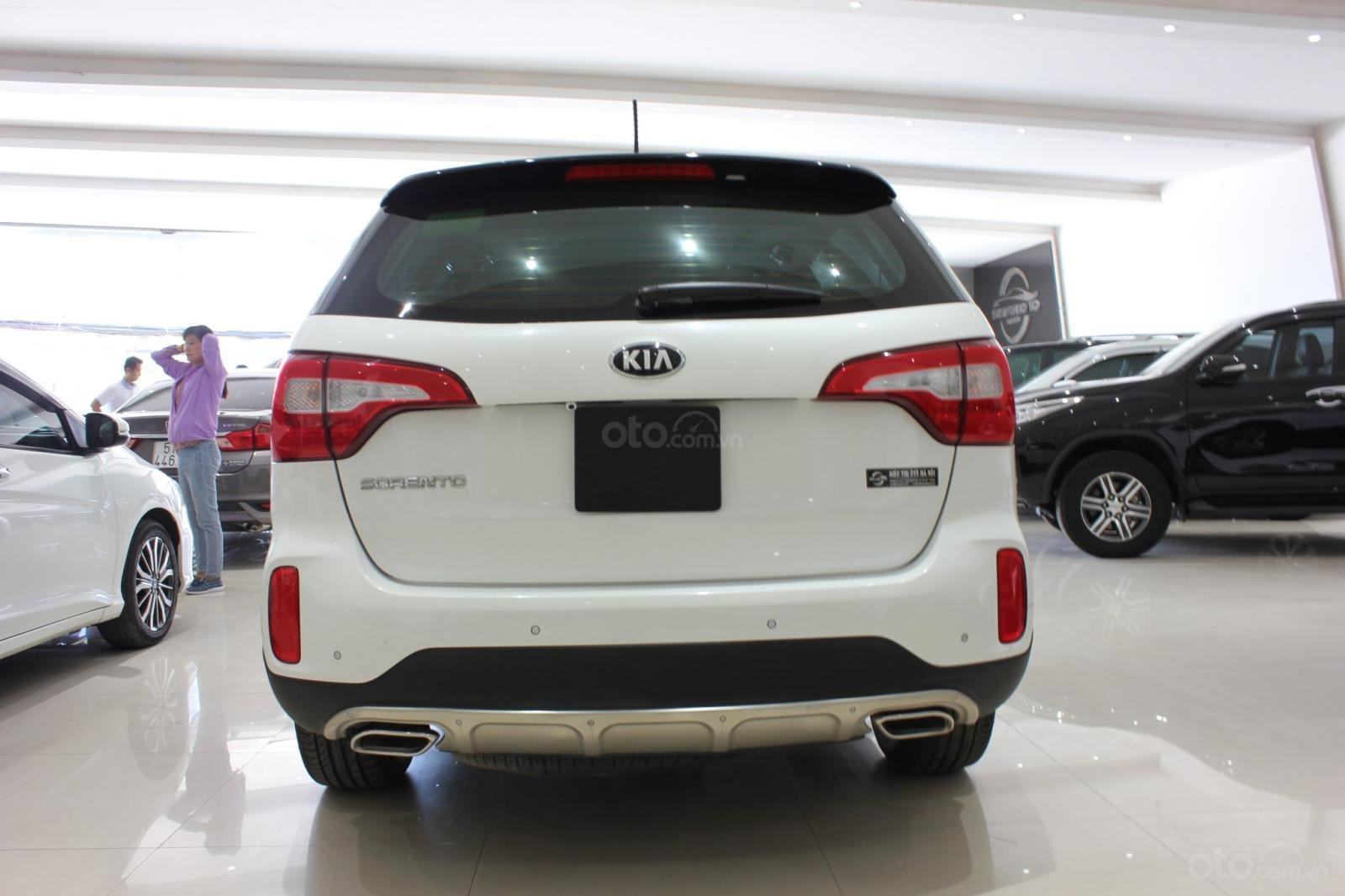 Bán xe Kia Sorento GATH 2.4AT SX 2019, màu trắng, xe đẹp, biển SG 9 nút, giá TL (3)