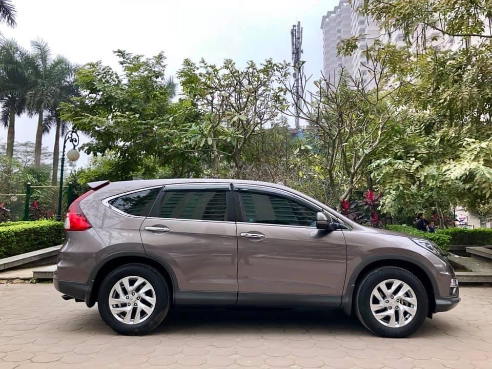 Cần bán Honda CRV 2017 bản 2.0 xám, xe zin như mới (3)