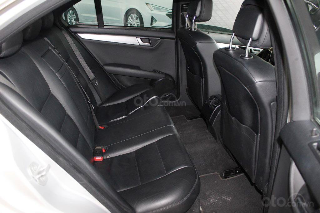Bán Mercedes C300 AMG 3.0AT 2011, xe đẹp chất (8)
