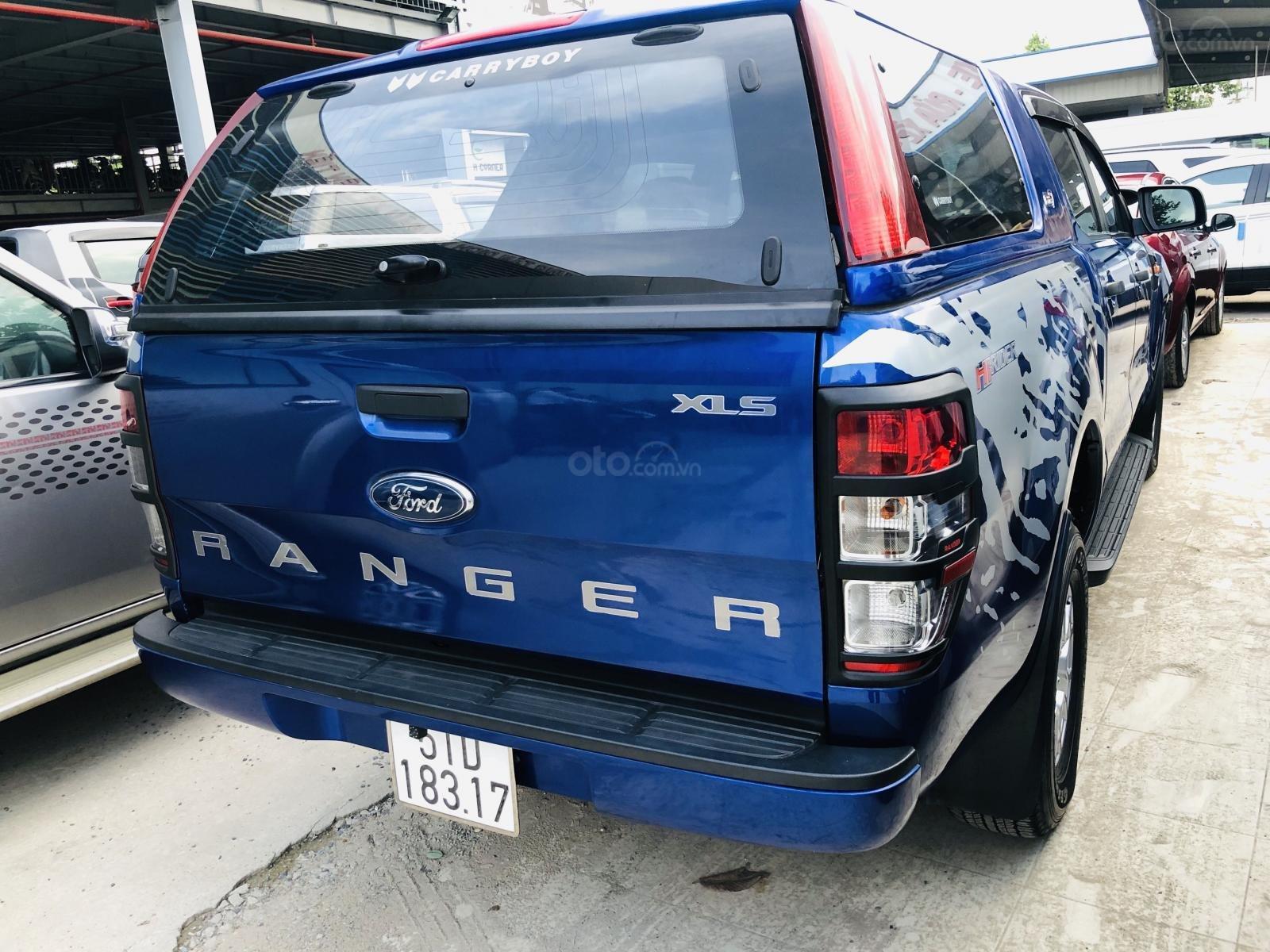 Cần bán lại xe Ford Ranger năm 2017, màu xanh lam mới 95% giá chỉ 563 triệu đồng (7)