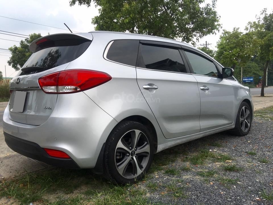 Bán Kia Rondo năm sản xuất 2017, màu bạc, giá chỉ 537 triệu (3)