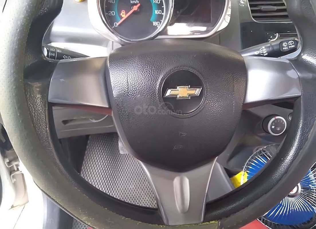 Bán Chevrolet Spark sản xuất 2015, màu trắng, giá chỉ 160 triệu (2)