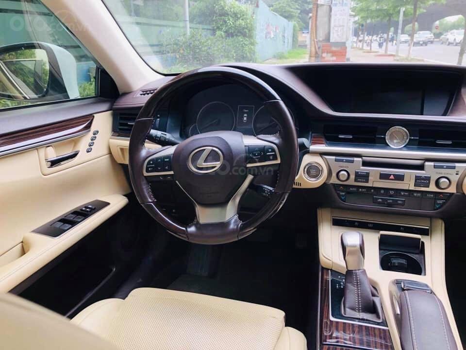 Cần bán gấp Lexus ES 250 2017, màu trắng, nhập khẩu chính chủ (4)