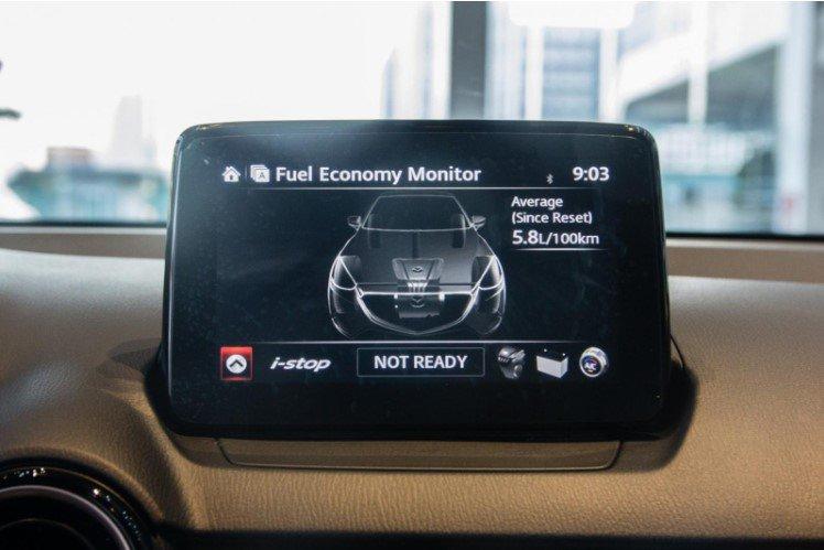 So sánh xe Kia Soluto 2019 và Mazda 2 2019 về tiện nghi - Ảnh 1.