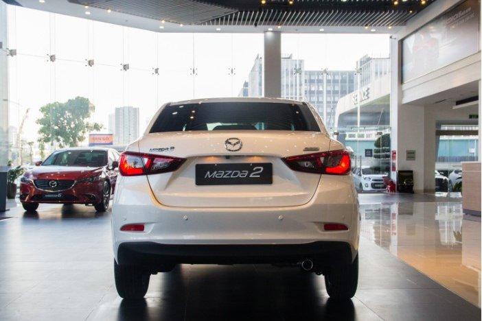 So sánh xe Kia Soluto 2019 và Mazda 2 2019 về khoang hành lý - Ảnh 1.