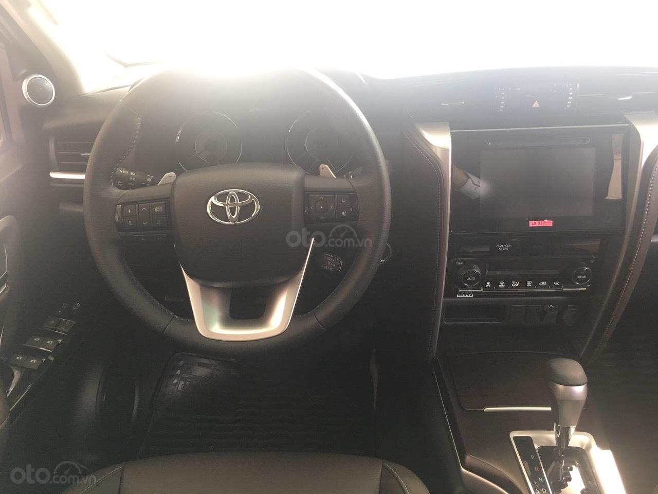 Toyota Fortuner 2.4G AT, giao ngay, giá cực tốt 0906882329 (4)