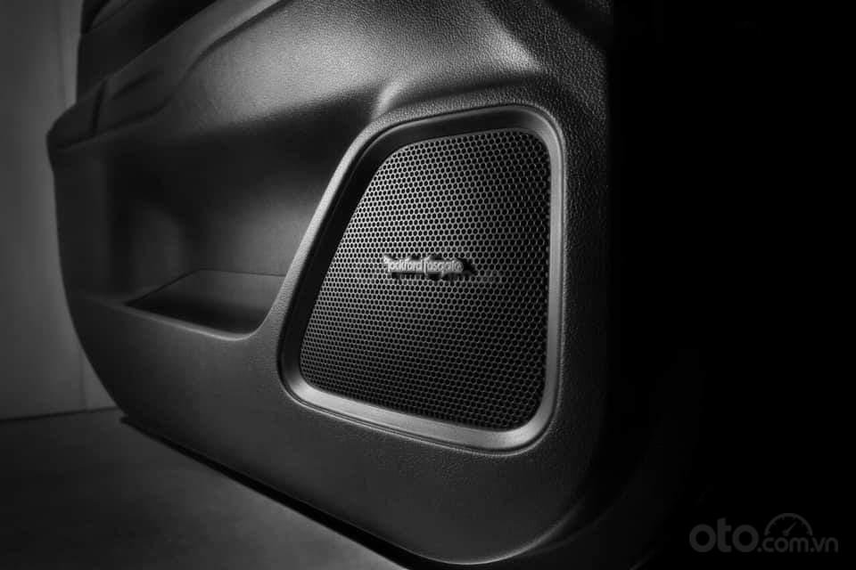Mitsubishi Outlander phiên bản đặc biệt kỷ niệm 25 thành lập (7)