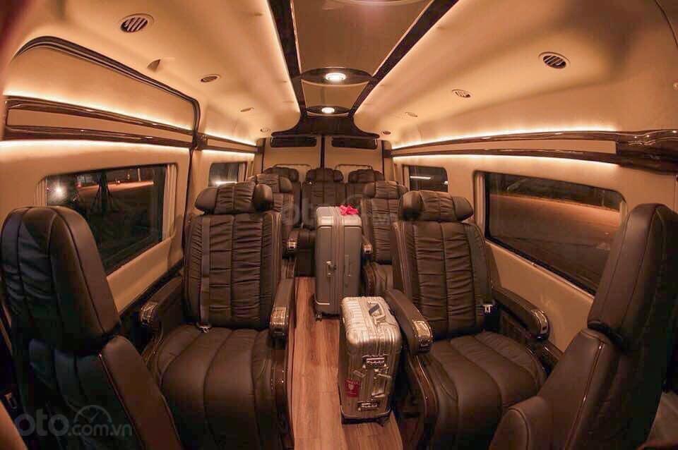 Bán Ford Transit Limousine, khuyến mãi khủng trong tháng, xe có sẵn giao ngay, hỗ trợ vay ngân hàng 80% (4)