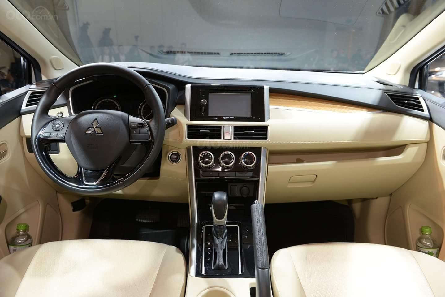 Mitsubishi Xpander AT màu trắng, nhập khẩu nguyên chiếc giao xe sớm đủ màu (4)