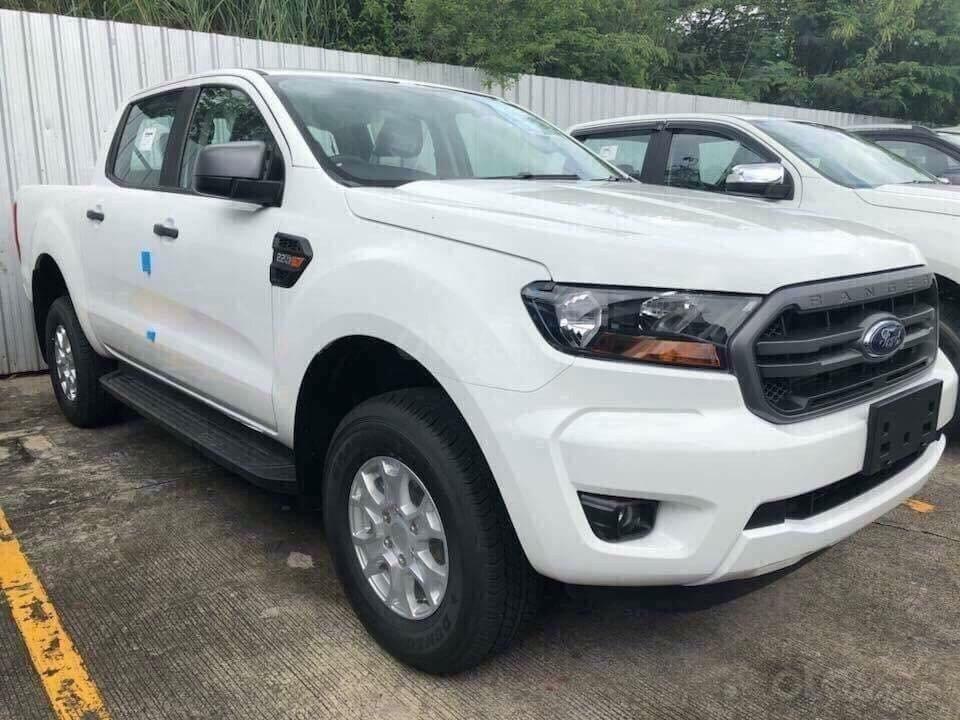 Cần bán xe Ford Ranger XLS 4x4 6AT năm 2019, màu trắng, nhập khẩu  (6)