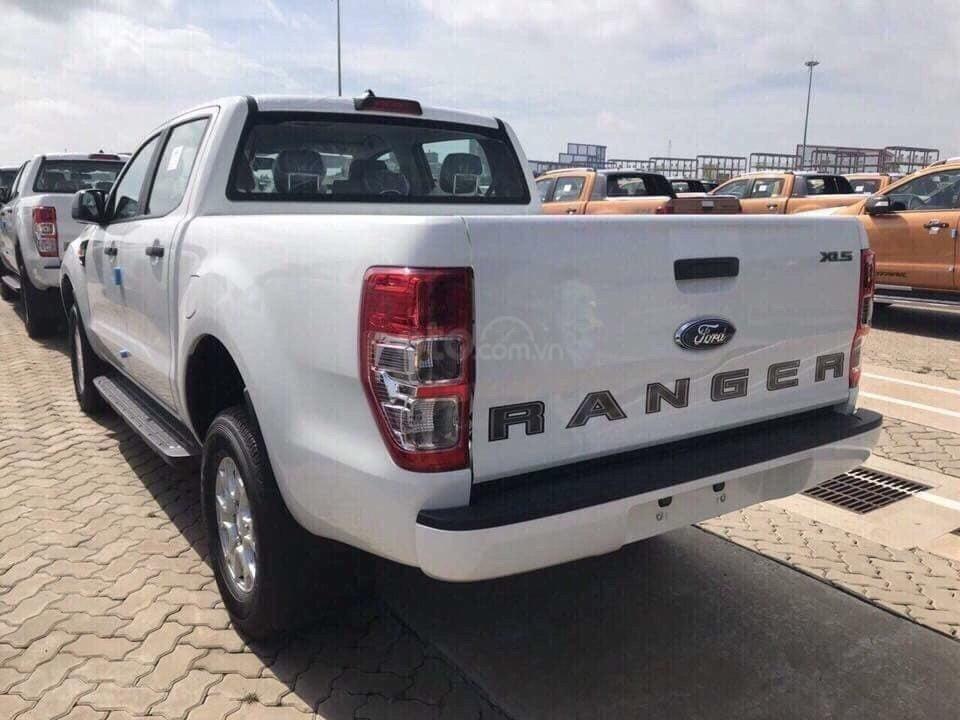 Cần bán xe Ford Ranger XLS 4x4 6AT năm 2019, màu trắng, nhập khẩu  (5)