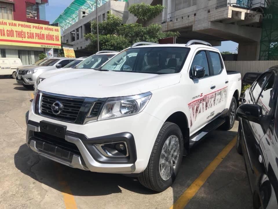 Bán Nissan Navara 2020 mới, giá ưu đãi riêng cho khách hàng đặt mua trong tháng (5)