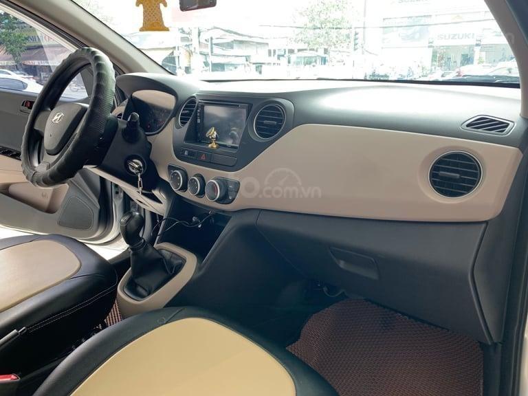 Bán Hyundai Grand i10 đời 2016 1.2 AT, màu bạc, liên hệ: 0398706211 (3)