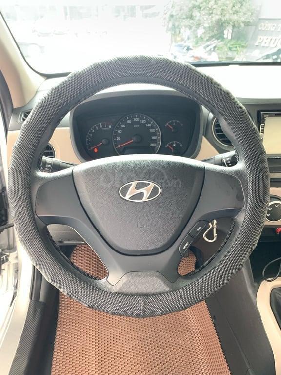 Bán Hyundai Grand i10 đời 2016 1.2 AT, màu bạc, liên hệ: 0398706211 (4)