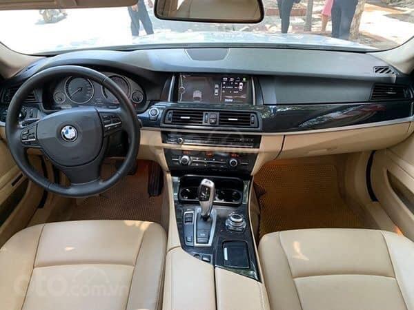 Cần bán BMW 5 Series 520i sản xuất năm 2012, màu trắng, xe nhập (3)