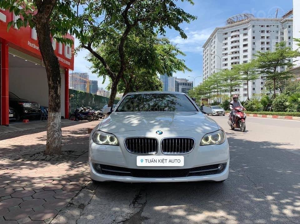 Cần bán BMW 5 Series 520i sản xuất năm 2012, màu trắng, xe nhập (1)