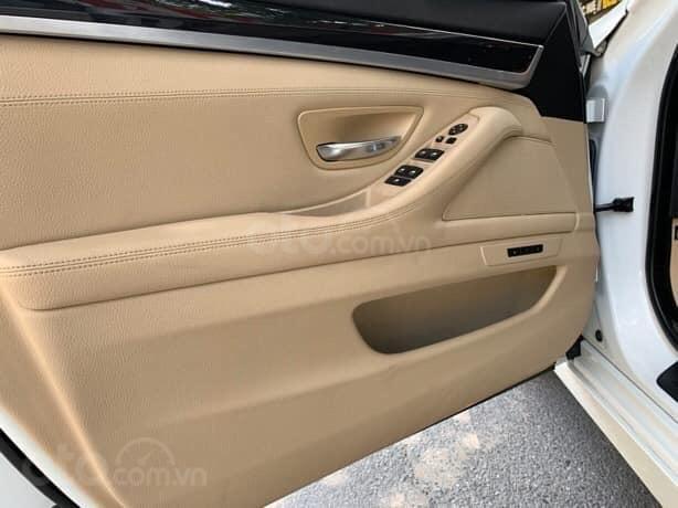 Cần bán BMW 5 Series 520i sản xuất năm 2012, màu trắng, xe nhập (4)