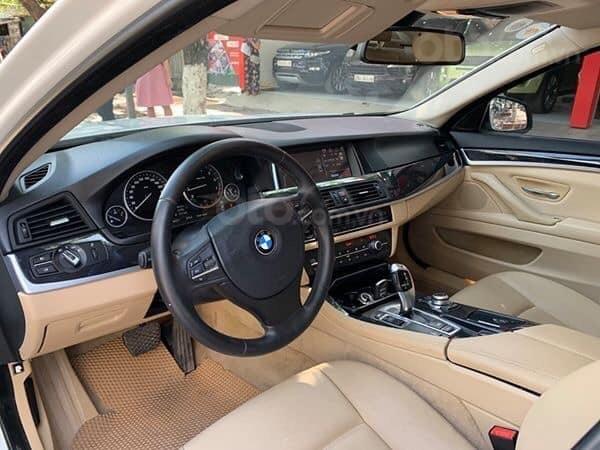 Cần bán BMW 5 Series 520i sản xuất năm 2012, màu trắng, xe nhập (5)