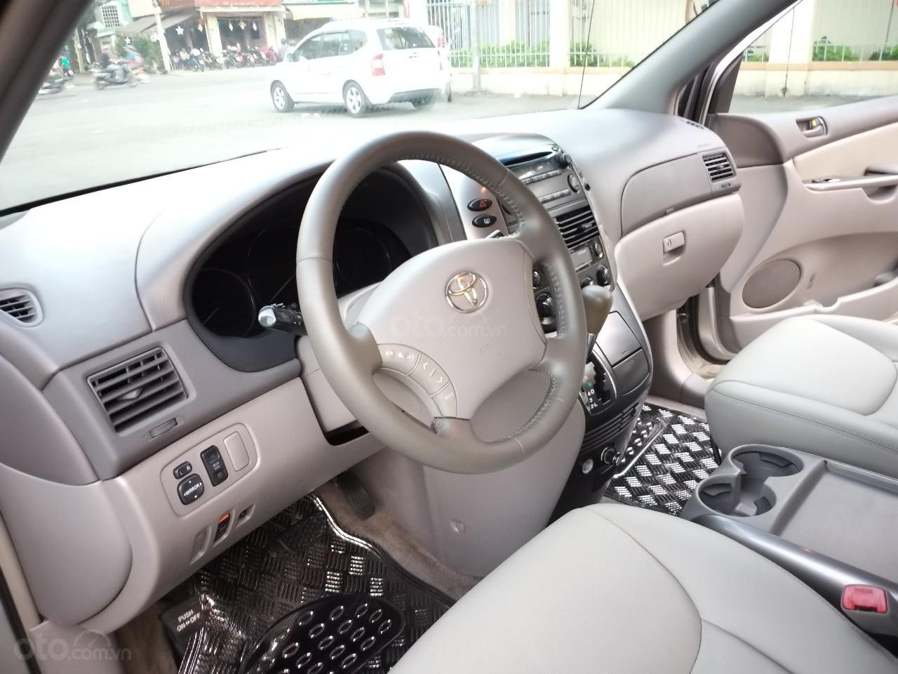 Toyota Sienna LE model 2008, xe nhà ít chạy còn rất mới, mới không đối thủ, toàn bộ còn zin theo xe (11)