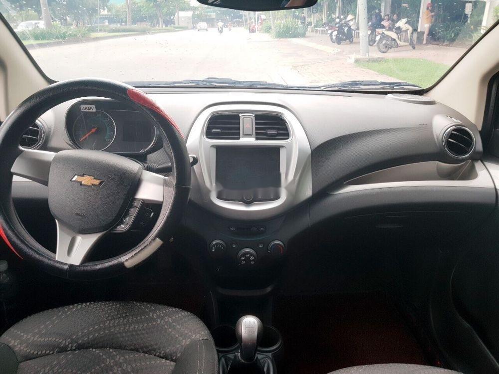 Cần bán Chevrolet Spark 2018, màu trắng, giá cạnh tranh (5)