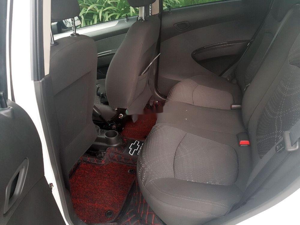 Cần bán Chevrolet Spark 2018, màu trắng, giá cạnh tranh (4)