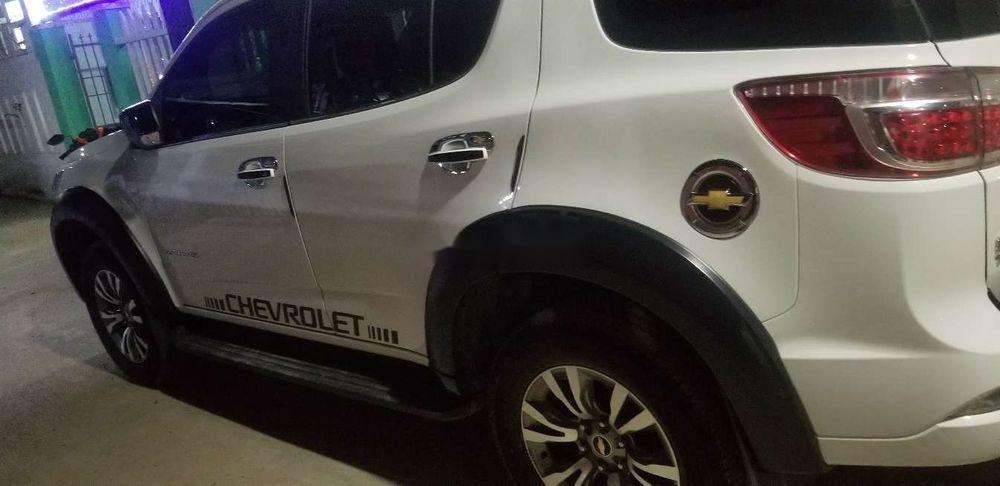 Bán Chevrolet Trailblazer năm 2018, màu trắng, xe nhập, giá 980tr (1)