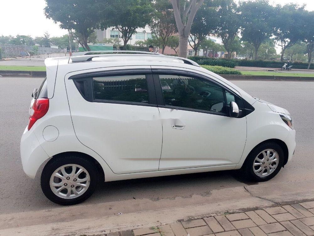 Cần bán Chevrolet Spark 2018, màu trắng, giá cạnh tranh (2)