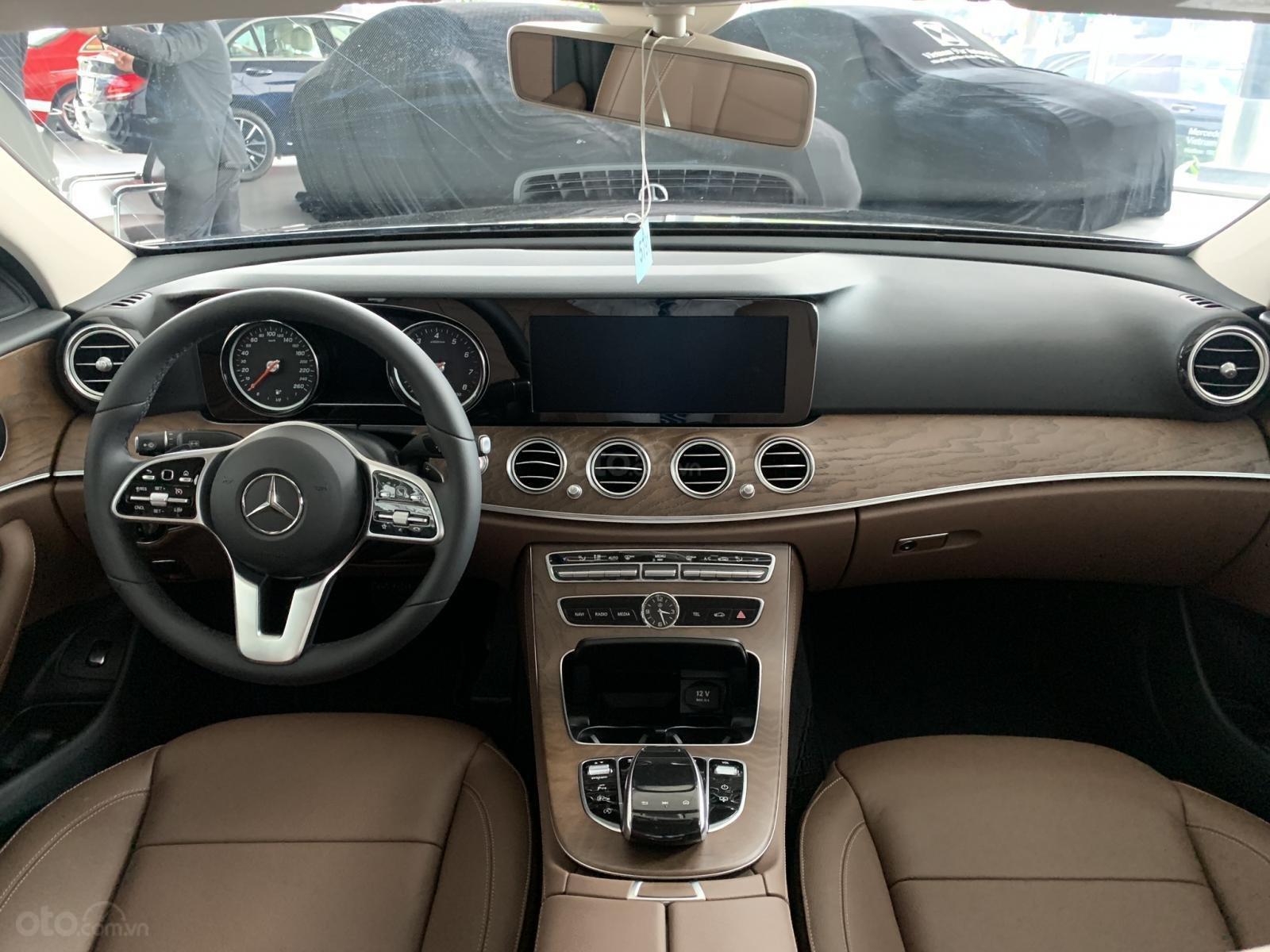 Mercedes E200 2019 All New, ưu đãi cực sốc trong tháng 12 (8)