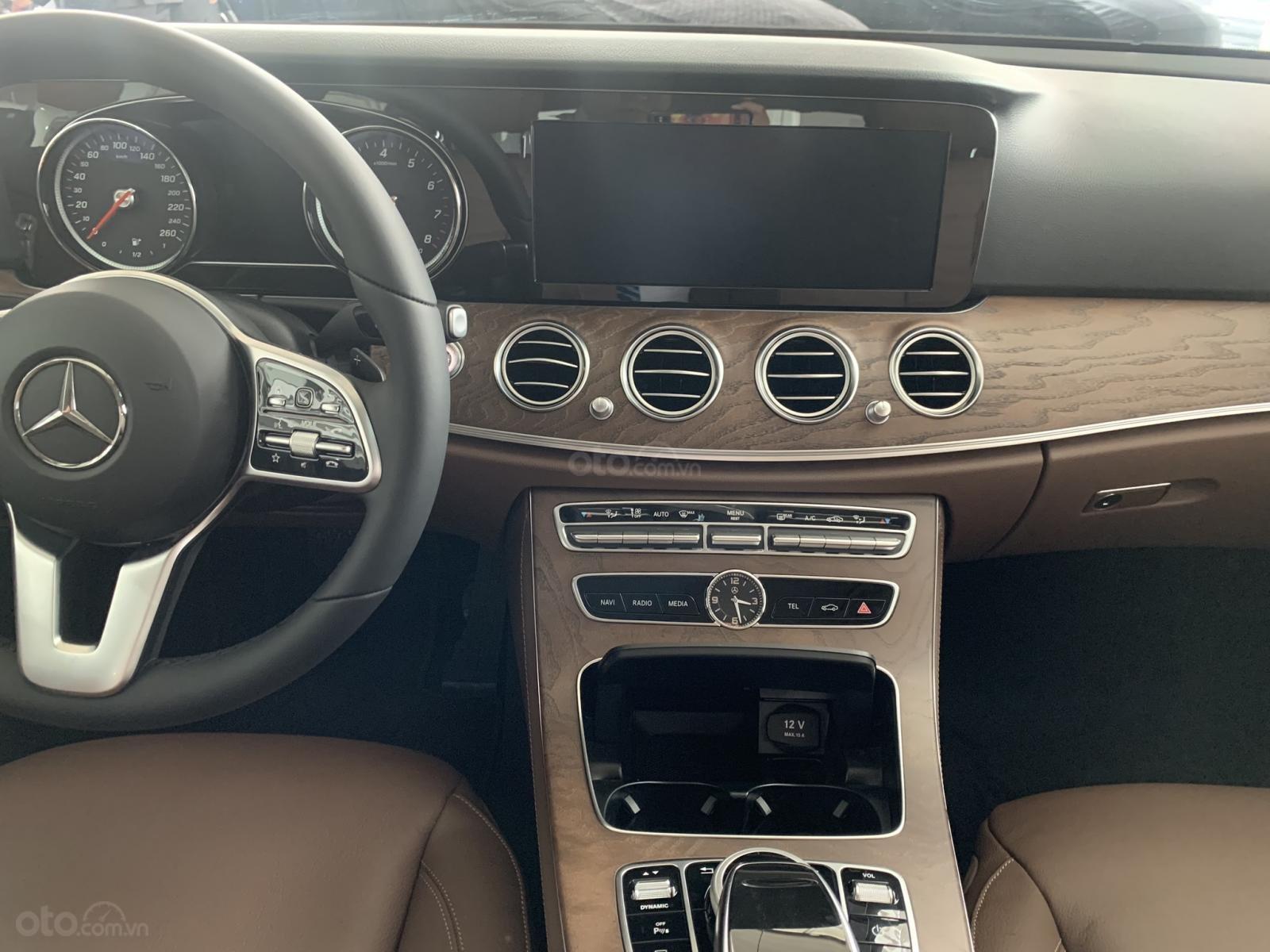 Mercedes E200 2019 All New, ưu đãi cực sốc trong tháng 12 (12)