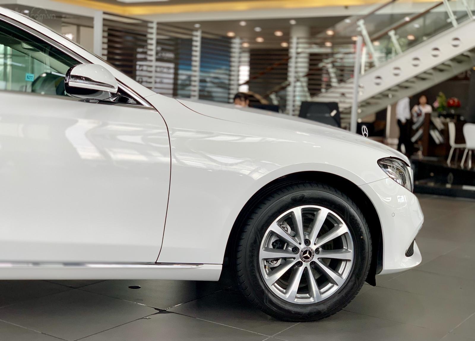 Mercedes E200 2019 All New, ưu đãi cực sốc trong tháng 12 (4)