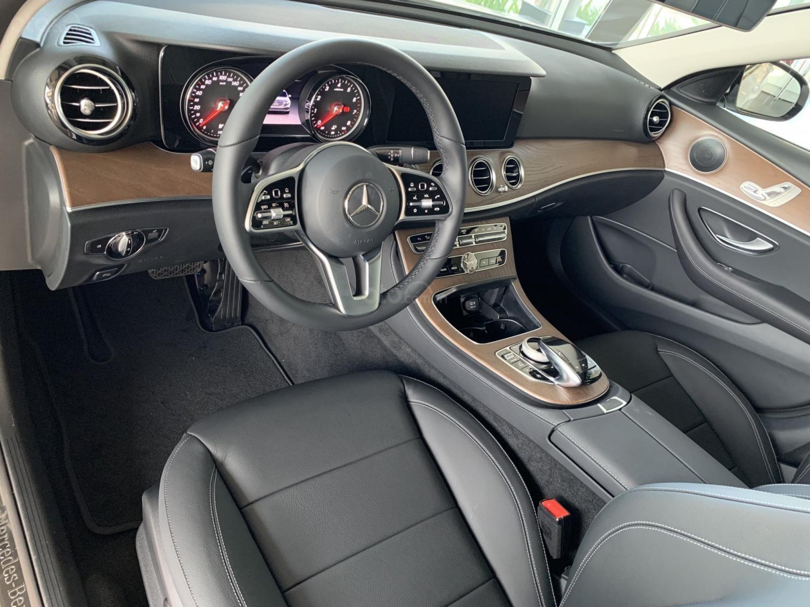 Mercedes E200 2019 All New, ưu đãi cực sốc trong tháng 12 (13)