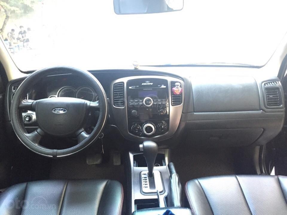 Bán Ford Escape XLS 2010, số tự động, màu đen (2)